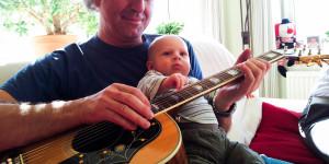 ... so zwitschern auch die Jungen: Mit Enkel Nr.1 Pepe an der Koa J200 am 24.März 2012!