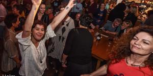 Der Ball tanzt: Janett und Änne!